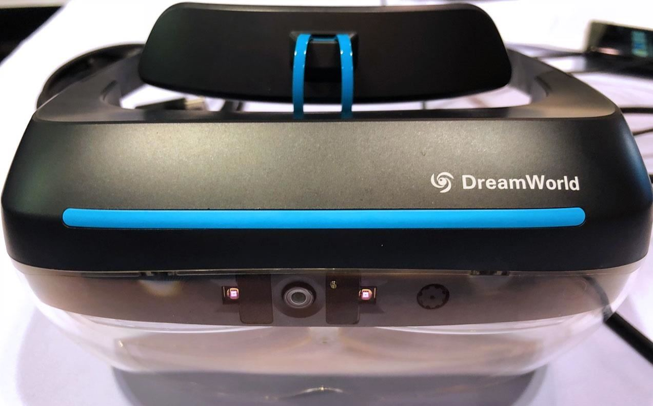 Hands-on: DreamGlass Looks Like a Cheaper, More Mobile Meta 2, But This Is What We Really Think After Trying It