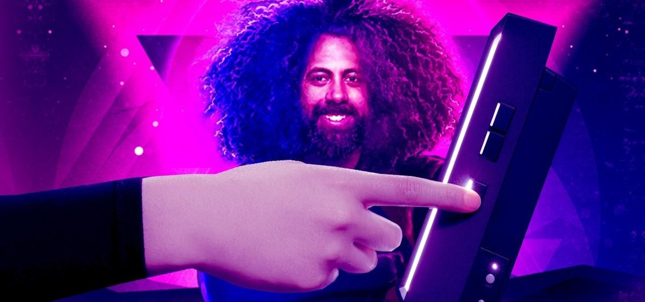 Looking Glass Teams with Reggie Watts to Auction Holographic NFT Art, Paving Way for Popularizing AR Art You Can Hold