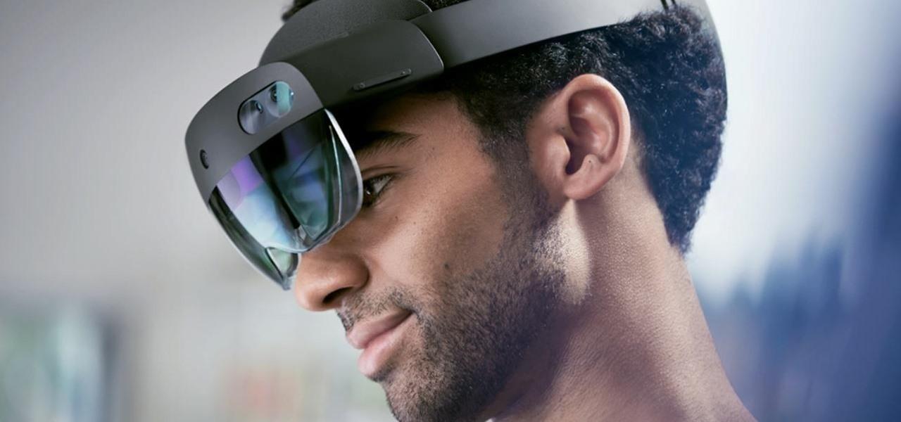 Microsoft's Consumer Smartglasses, Apple Invests in Corning & Niantic Launches Lightship Beta