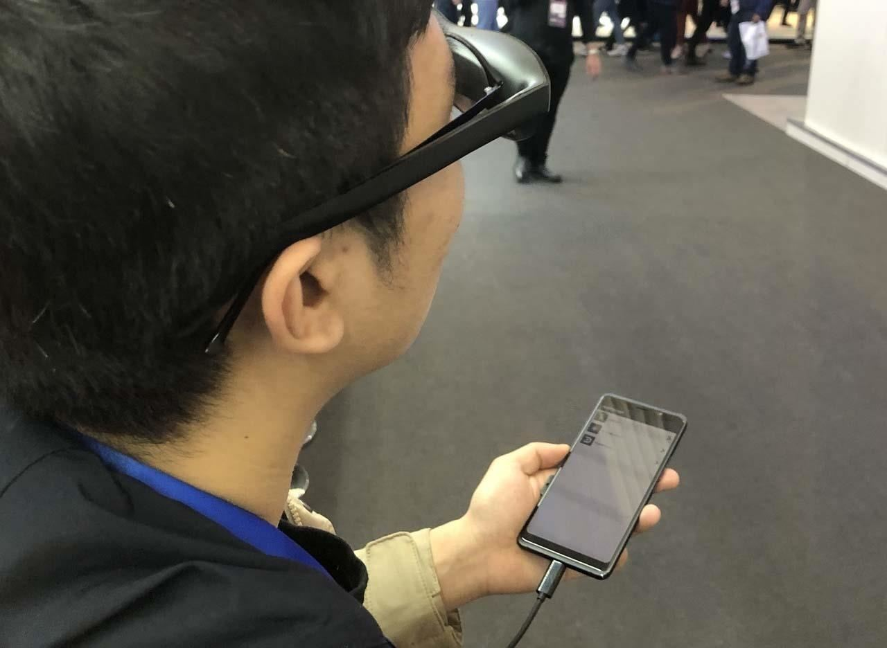 Hands-on with Nreal Light, Smartphone-Powered Augmented Reality Immersion