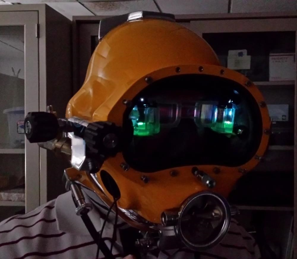 This Advanced Diver's Helmet Takes AR to the Depths of the Ocean