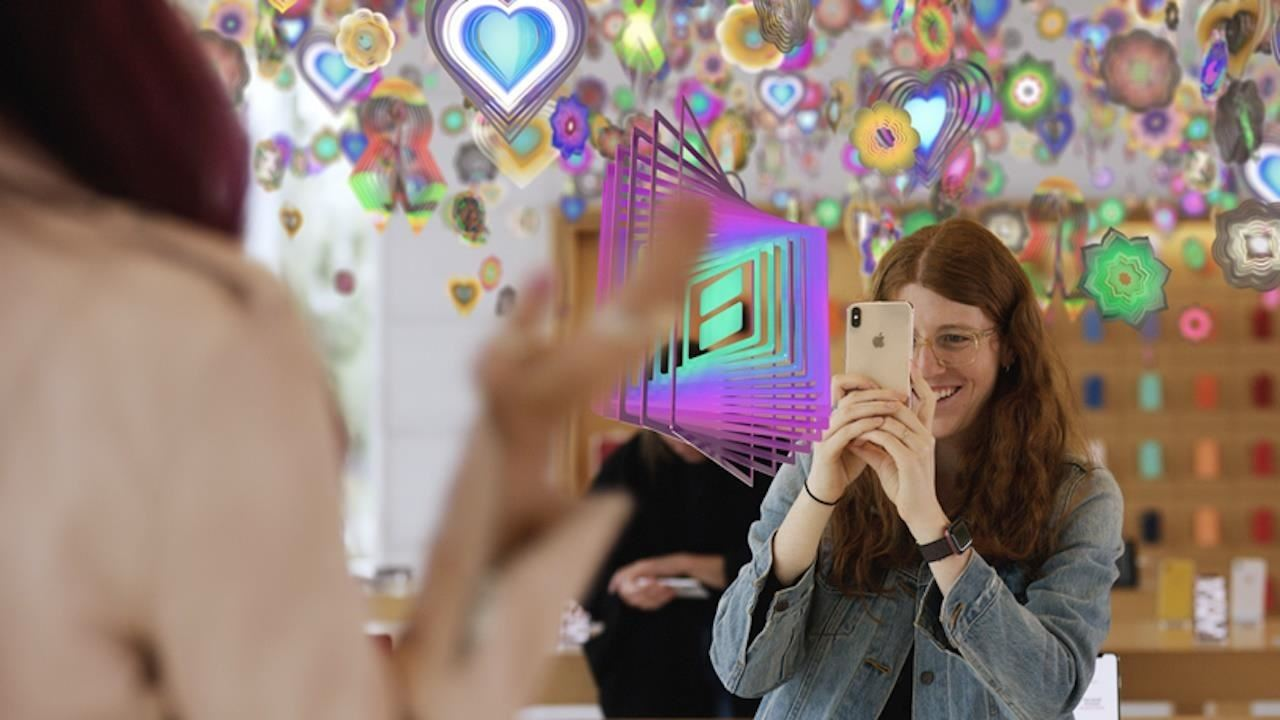 Apple's [AR] T Walk brings contemporary AR art installations to the streets of major cities
