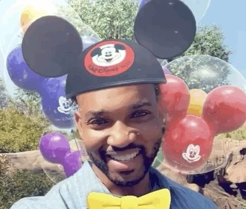 This Is How You Can Access Disney World's Limited-Time Mickey & Minnie Mouse AR Selfie Lens on Snapchat