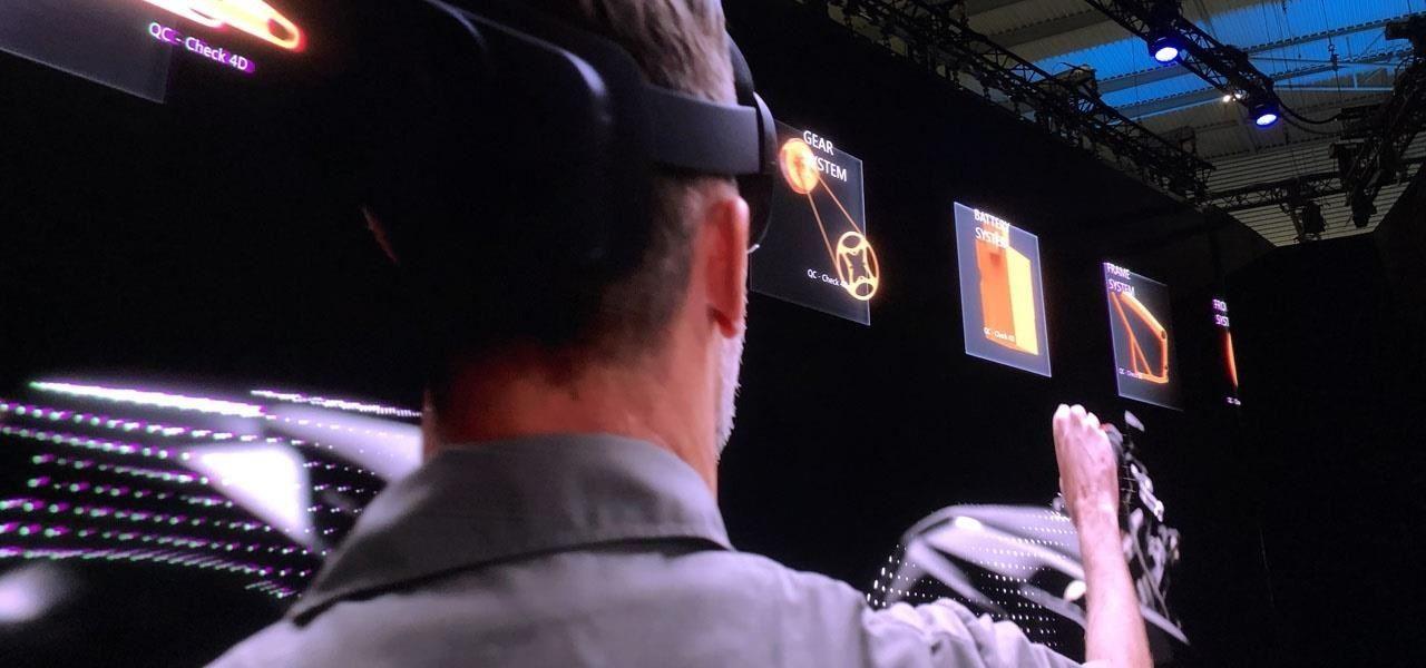 Microsoft Unveils the HoloLens 2