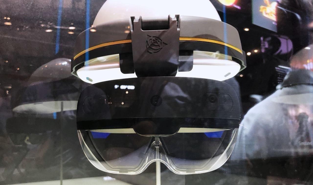 Watch Trimble Give the Microsoft HoloLens 2 the Elon Musk Tesla Cybertruck Smash Test, Sort Of