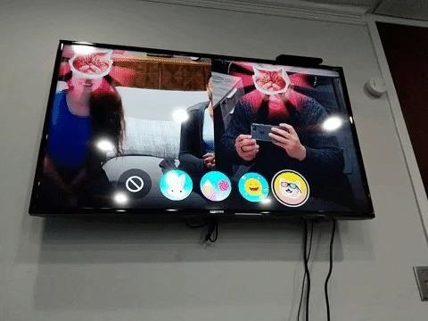 Hands-On: Facebook pioneers Augmented Reality for the TV with newest portal hardware [19659024] Image by Tommy Palladino / Next Reality </em></figcaption></figure> <p>  A game overlaps an image of a cat on the face of each caller, and each player must move his head within the camera view to capture the matching cat face while viewing it from the top of the screen appears. I misunderstood the rules in the first round, thinking that the red rays of light that followed my face meant that I won. The second time I knew the rules, I still lost due to a lack of agility. </p> <p>  Another game uses face-tracking to create a smiling game, where the one who smiles last wins. I won. </p> <p>  The following game was cooperative rather than competitive. This places bunny ears on the user's head and each player in turn catches as many virtual donuts as they can within their allotted time. </p><div><script async src=