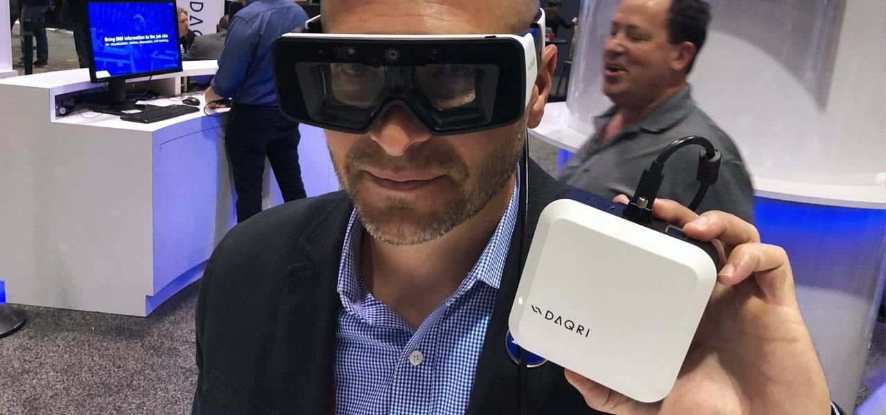 Market Reality: Snapchat Gets Recreational &amp; the tech industry unveils how it plans mainstream AR [19659008] Image by Adario Strange / Next Reality </em></figcaption></figure> <p><strong>  REALITY BITES: </strong> One of the obstacles that hardware manufacturers are putting on to bring mainstream augmented reality wearables to market is the aesthetics. How can we create smart glasses that people really want to wear? The answer may lie in the success stories of tech companies that partner with fashion brands. </p> </section> <section> <h2 class=