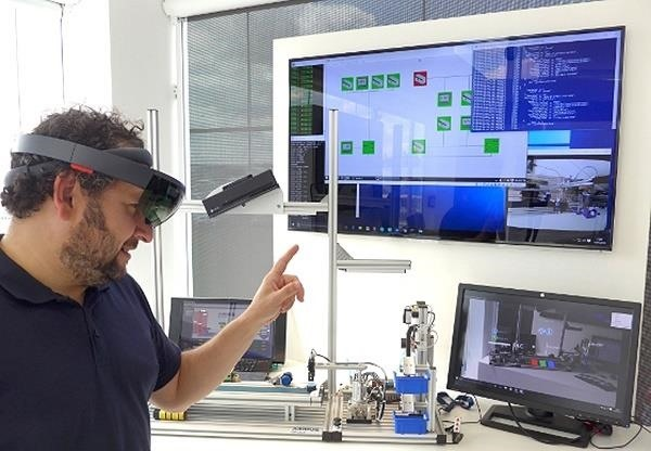 The HoloLens & a Simple Gesture Can Stop a Complex Cyber-Attack