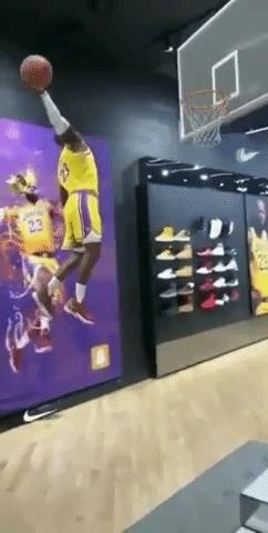 Snapchat Scores Viral Hit with Nike Augmented Reality Experience Starring Lebron James