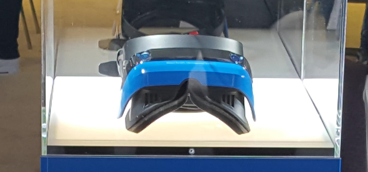 Microsoft Introduced Acer's New Windows Mixed Reality Development Edition Headset