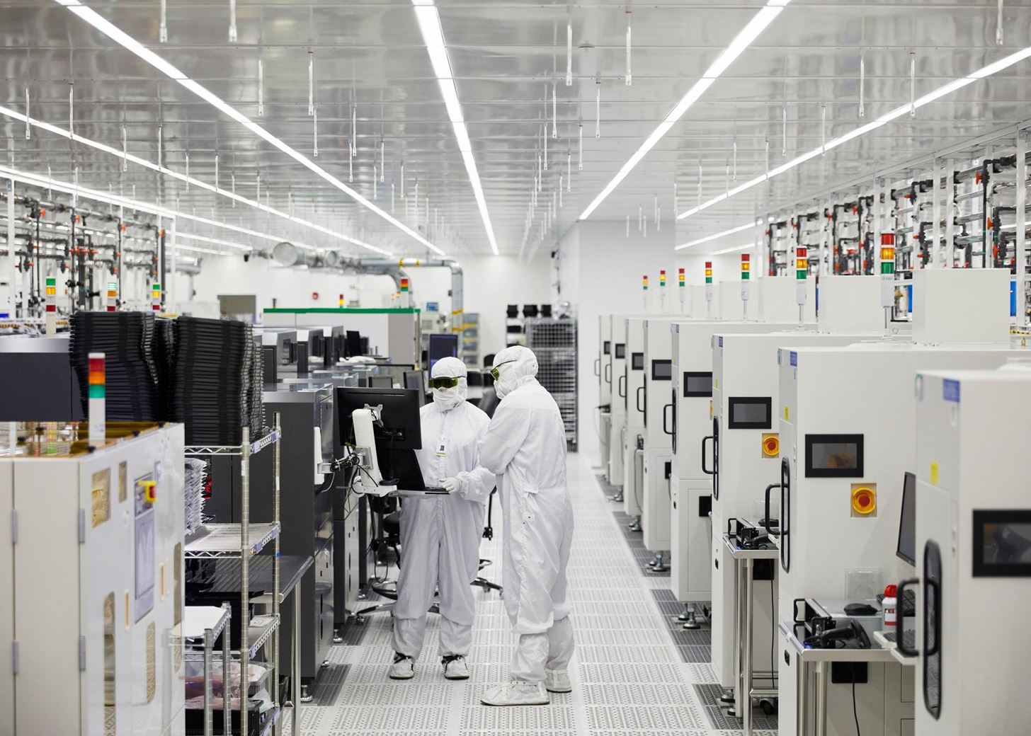 Apple Secures Supply Chain for AR Hardware with $410 Million Investment into Optical Manufacturer II-VI