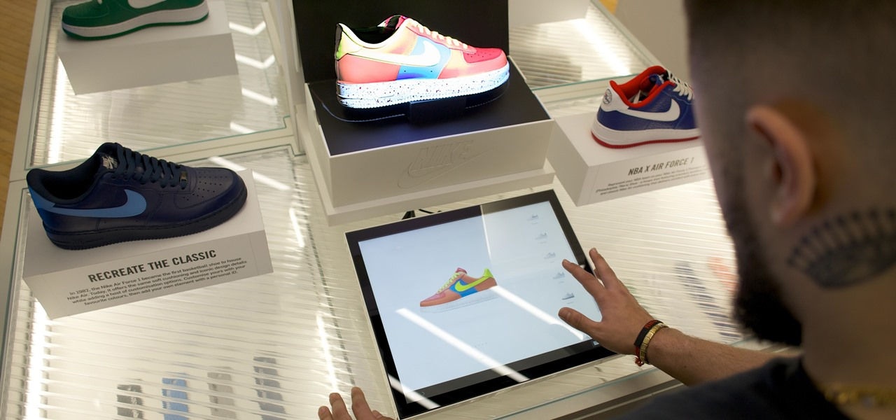 London Shoppers Can Now Design Their Own Nikes in Augmented Reality