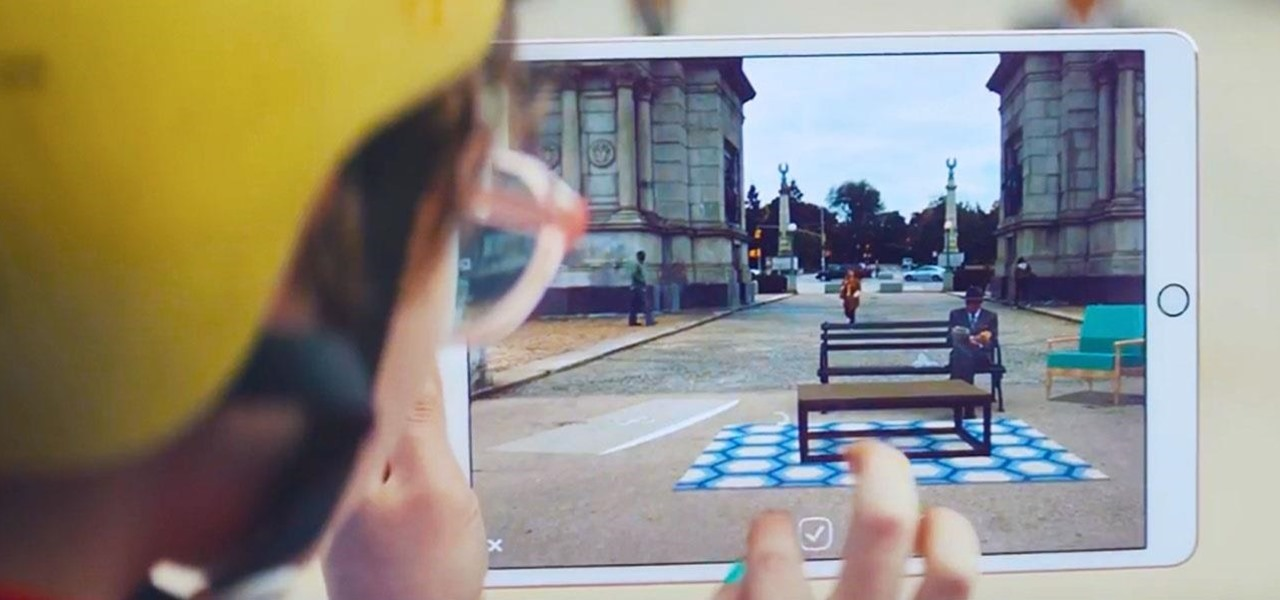 Apple's First Augmented Reality Commercial Is Short but Powerful