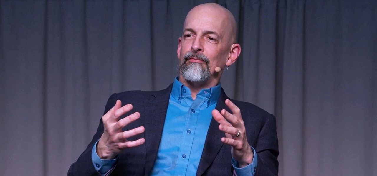 Magic Leap's Neal Stephenson Reveals What It's Like to Create Content for the Secretive Startup