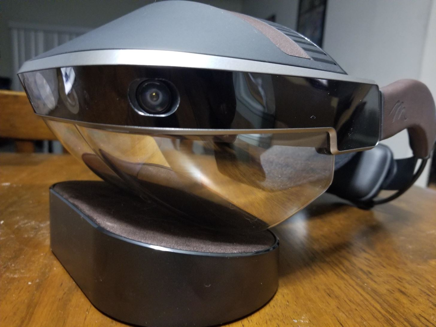 How to Set Up the Meta 2 Head-Mounted Display