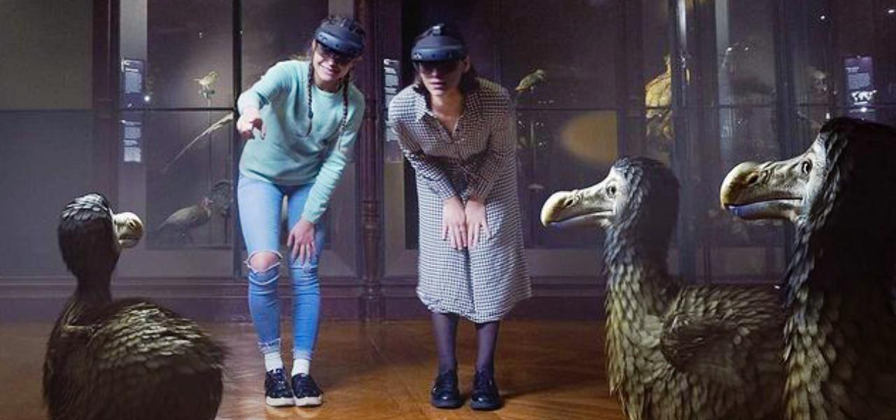 Microsoft HoloLens 2 Brings Extinct Animals Back to Life at Paris National Museum