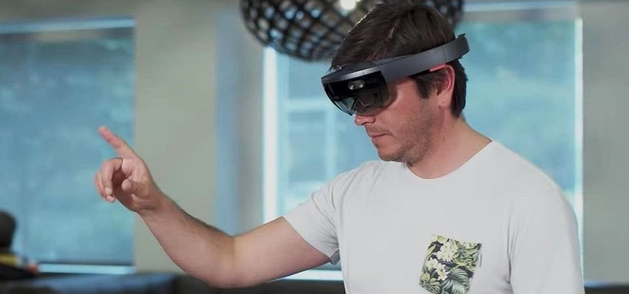 HoloLens Update Brings Display Mirroring & Quick Actions Menu for Routine Tasks