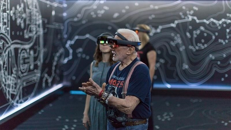 Did NASA omit HoloLens 2 in this video?