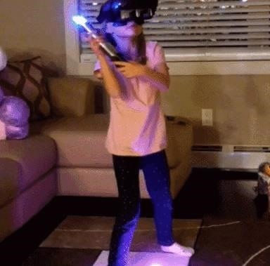 Watch Lenovo Mirage AR Headsets Turn Star Wars Fans into Jedi on Christmas Morning