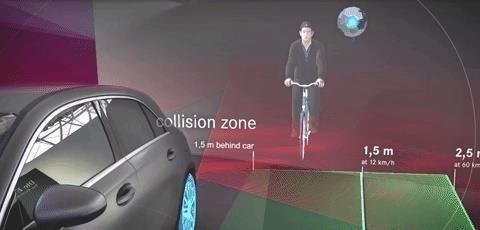 Mercedes-Benz Shifts to HoloLens for Employee Training